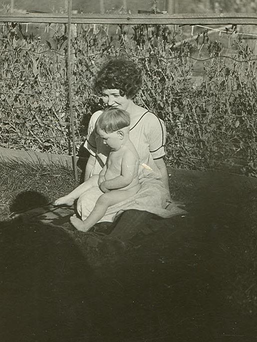 Nora and daughter Mary in 1924